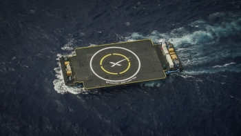 SpaceX Sticks a Rocket Landing at Sea in His<span class=