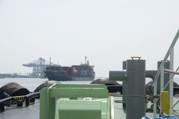 Some interesting angle images at work - Assisting M/V Hai An Time berthing at TCIT port