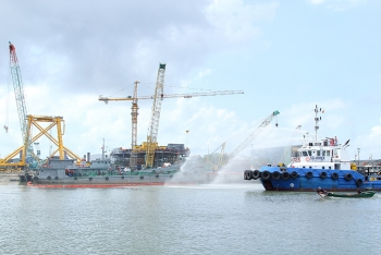 Tugboat Sea Winner is in training oil spill response at Dong Xuyen Port - Vung Tau.