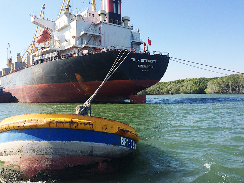 Midstream buoys (Floating Terminal)